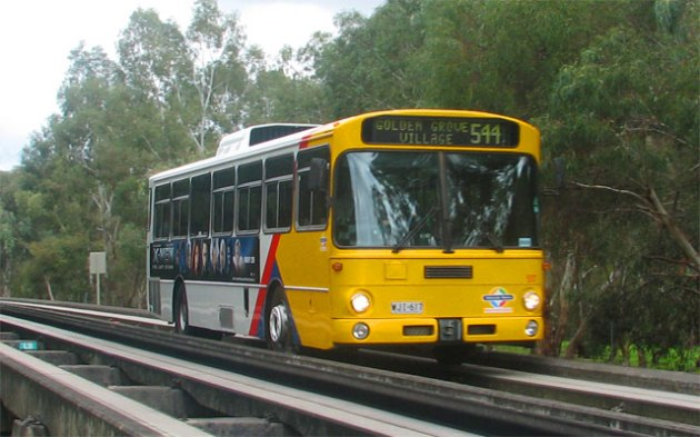 Bus_track